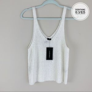 Moon & Madison Knitted White Cropped Tank Top LG